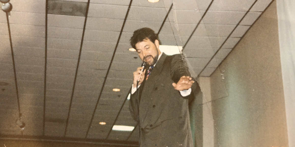 Jonathan Frakes at a 1992 Star Trek convention in Portland, OR.